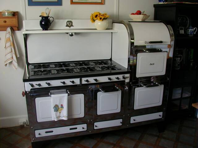 Restored Vintage Electric Stoves ~ Previously restored stoves